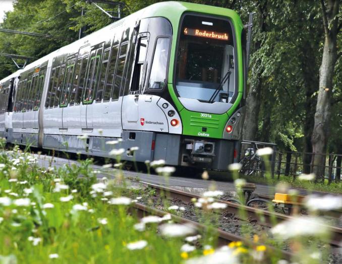 Stadtbahn Linie 4 fährt erst am Mittwoch wieder nach Garbsen ...